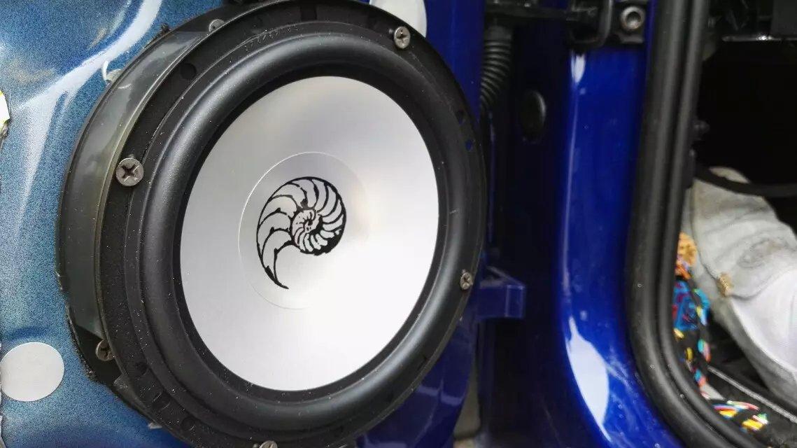 气质非凡--进口高尔夫r无损改装德国海螺汽车音响